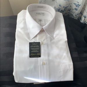 NWT Van Heusen Easy Care Shirt